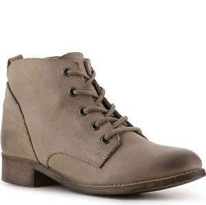 Steve Madden Rubin Leather Bootie Size 8
